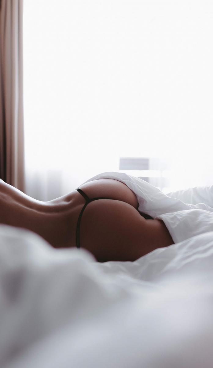 perfect_woman_ass_in_bed_sexy_iphone_wallpaper_2210x3805.jpg - кликните, чтобы открыть увеличенную картинку